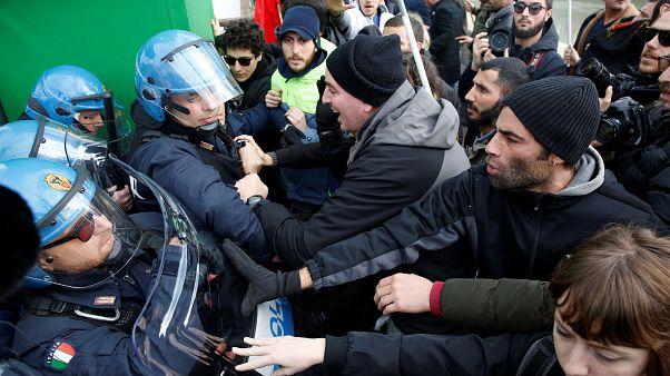 Protesto contra Erdogan termina com duas detenções