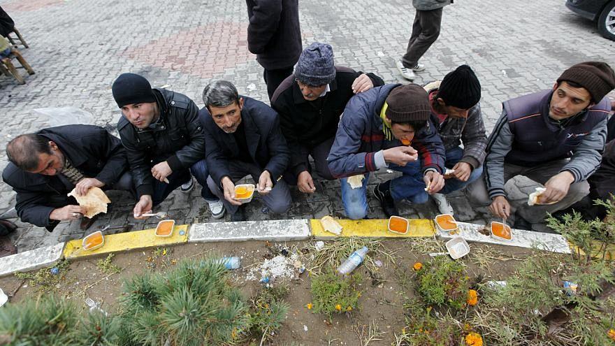 """Los jefes religiosos turcos tildan a los zurdos de """"demonios"""""""