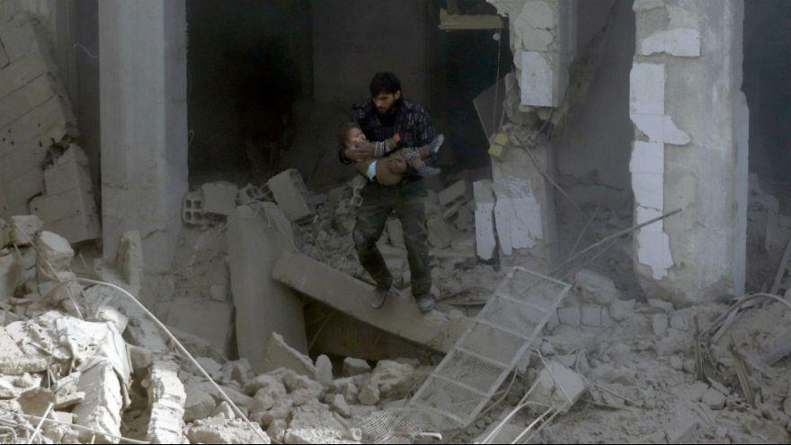 تصاویر تکاندهنده از حمله هوایی ارتش سوریه به غیرنظامیان در غوطه شرقی