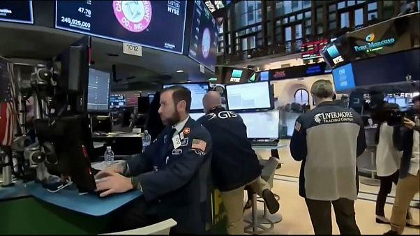 Wall Street: El Dow Jones sufre su peor caída en puntos de la historia