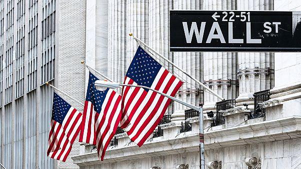 Μίνι κραχ στη Wall Street με πτώση 4,6%