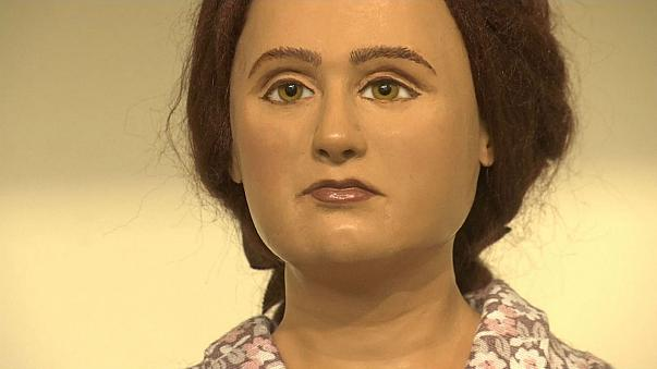 Dollmaker creates models of family who died in Holocaust