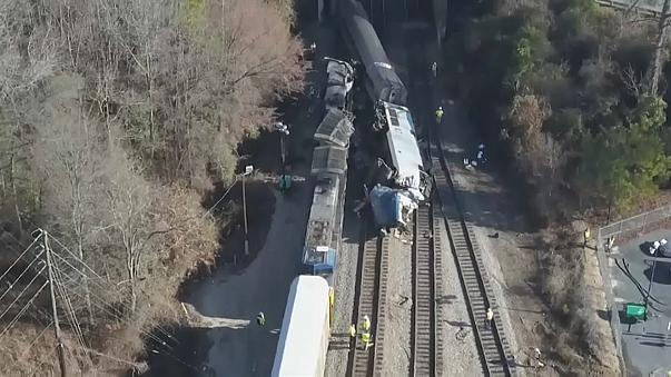 Officials say locked track signal caused fatal U.S. train crash on Sunday