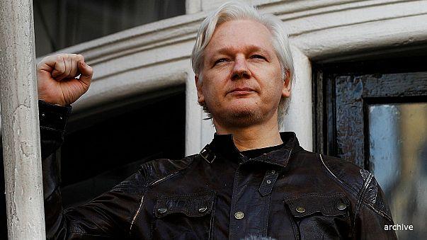 Judge upholds Assange's UK arrest warrant