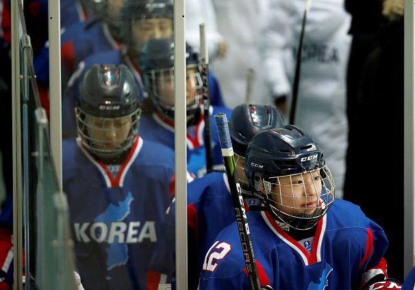 بازی دوستانه تیم مشترک دو کره با سوئد
