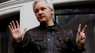 Justiça britânica adia decisão sobre Julian Assange