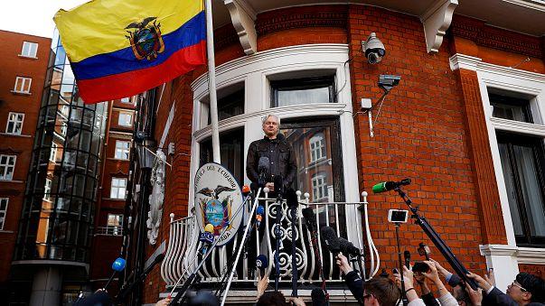 Суд не отменил ордер на арест Джулиана Ассанжа