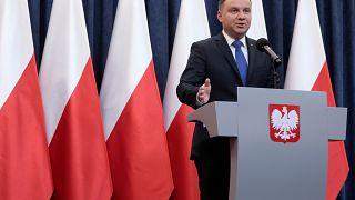 Polen: Präsident Duda unterschreibt umstrittenes Holocaust-Gesetz