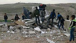 الاتحاد الأوروبي  يدعو السلطات الإسرائيلية إلى إعادة بناء الصفوف المدرسية في مكانها