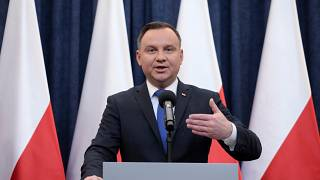Polish president to sign controversial Holocaust bill