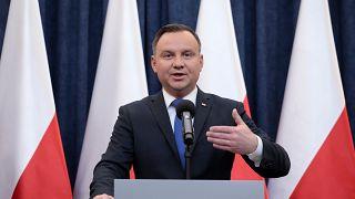 Shoah : le président polonais signe la loi controversée