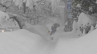 Keményen havazik Japánban