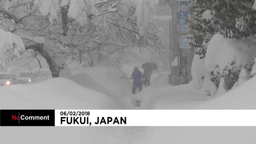 Рекордные снегопады в Японии