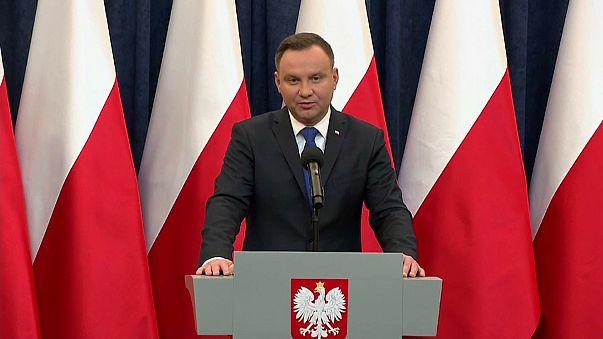 Polonia: il Presidente Duda firma la controversa legge sulla Shoah