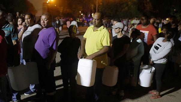 Midnight queues in Cape Town as water crisis deepens