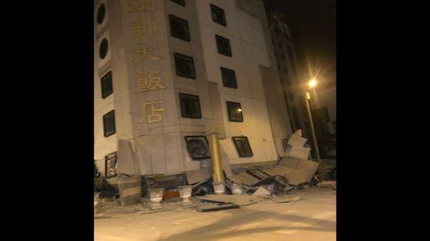 Un fuerte terremoto en Taiwán deja al menos 2 muertos y cientos de heridos