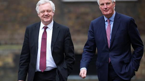 AB, Brexit sürecinde İngiltere'yi cezalandırma hakkı istiyor