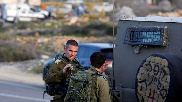 مقتل فلسطيني طعن حارس مستوطنة في الضفة الغربية