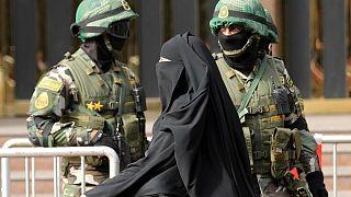 دانمارک نقاب زدن یا پوشیدن برقع را ممنوع میکند