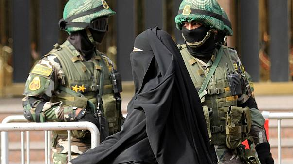 دانمارک نقاب زدن یا پوشیدن برقع را ممنوع کرد