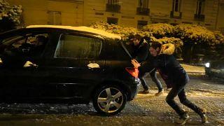 Transport chaos as Paris snowbound