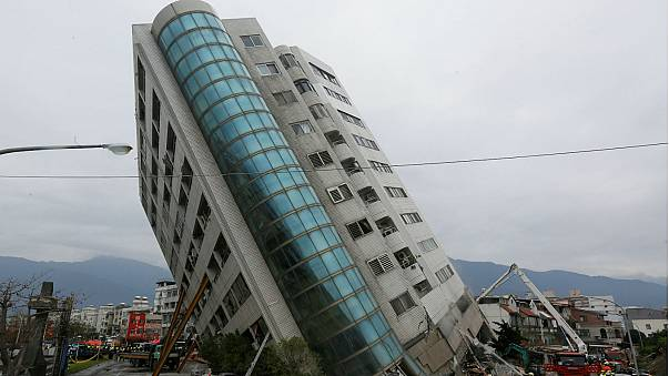 Taiwan earthquake: Children rescued from tilted building