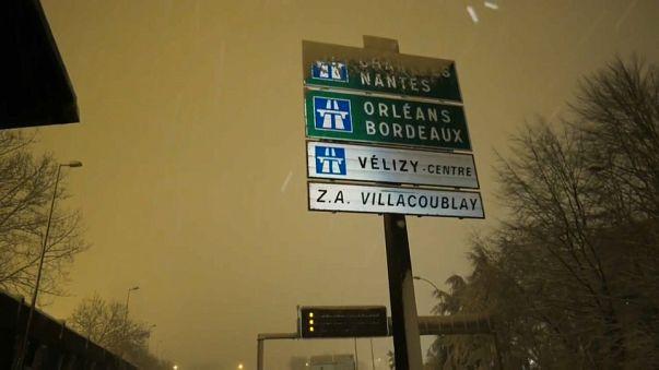 Gelo e Neve paralizzano Parigi e l'intera regione