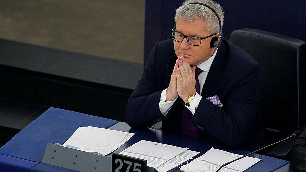 Leváltották a nácizó alelnököt az Európai Parlamentben