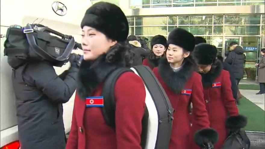 حسناوات بيونغ يانغ يصلن إلى كوريا الجنوبية
