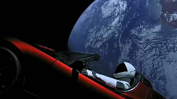 Elon Musk Tesláját vitte a világűrbe a Falcon Heavy