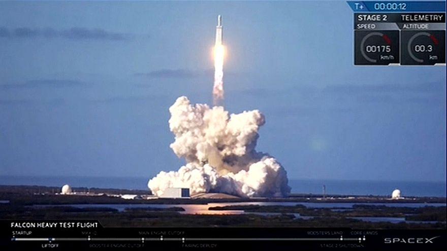 Маск запустил на Марс Tesla