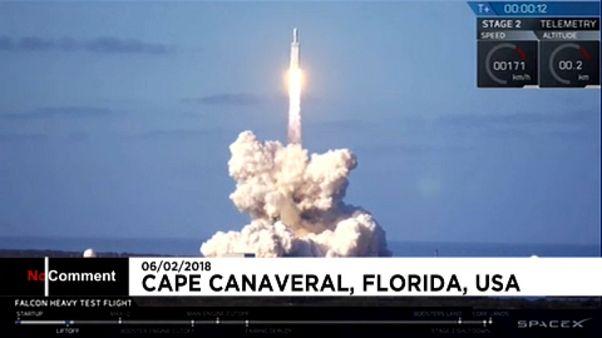 Autóját is az űrbe lövette a milliárdos