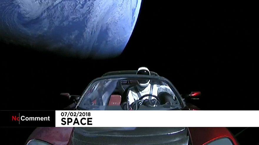 Um descapotável no Espaço