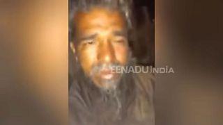 سیلی جوان هندو به مرد مسلمانی که از ادای جمله مقدس سر باز زد
