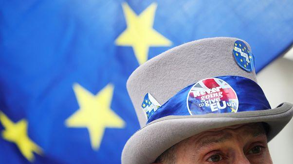 Βρετανοί θέλουν να διατηρήσουν ευρωπαϊκή ιθαγένεια