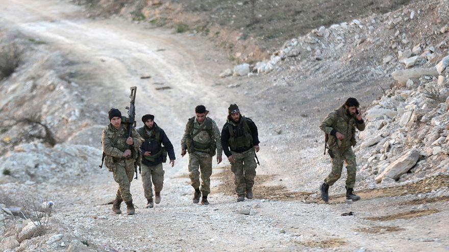 وحدات حماية الشعب الكردية تتهم تركيا بقصف مدرسة ومحطة مياه بعفرين وأنقرة تنفي
