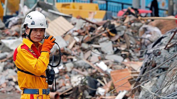 Peligroso rescate de decenas de desaparecidos en Taiwán