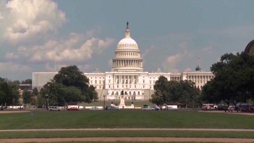 """Республиканцы и демократы заключили """"бюджетную"""" сделку"""