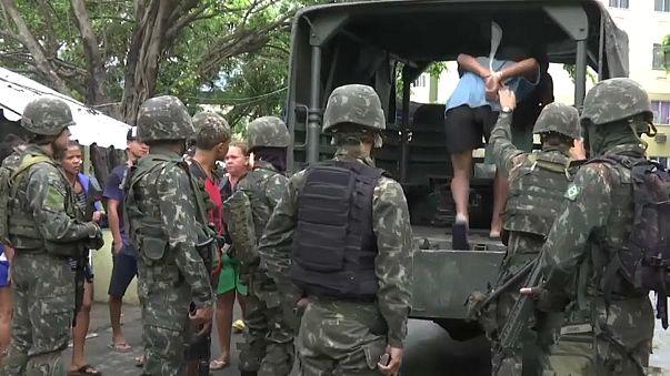 Army join police in carnival crackdown in Rio