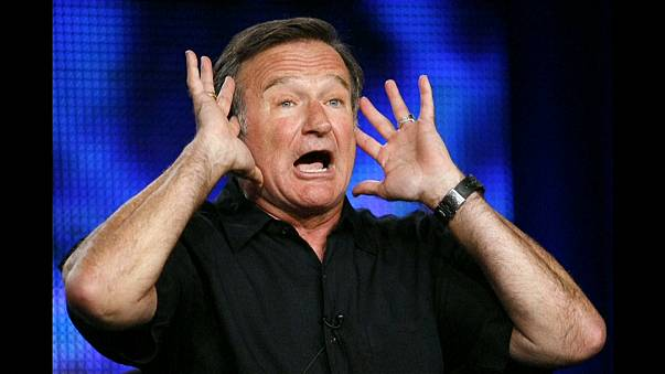 Robin Williams performing