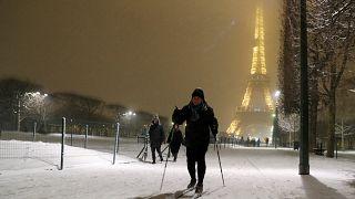 Χιόνια στο Παρίσι και σκι στην...Μονμάρτη!