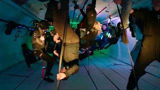 30 danseurs en apesanteur