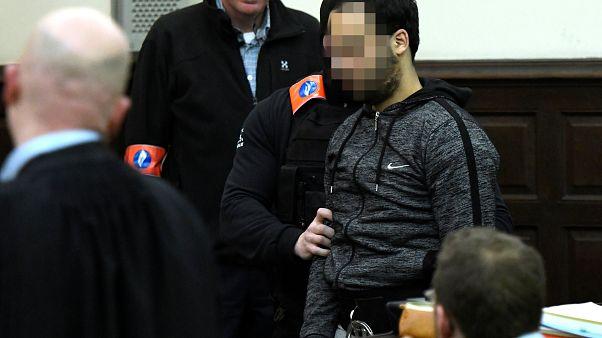 مواصلة محاكمة صلاح عبد السلام الغائب عن الجلسة في بلجيكا