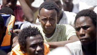 من يدعم ميليشيات تهريب البشر في ليبيا؟