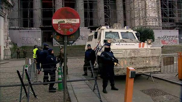 Salah Abdeslam trial: hearing resumes in Brussels without him