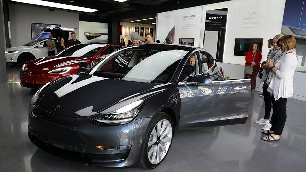 Tesla Motors 675 milyon Dolar zarara etti