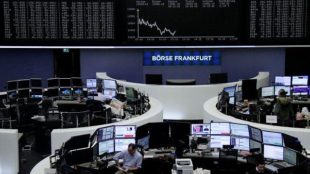 Η Ελλάδα ξανά στις αγορές με επταετές ομόλογο
