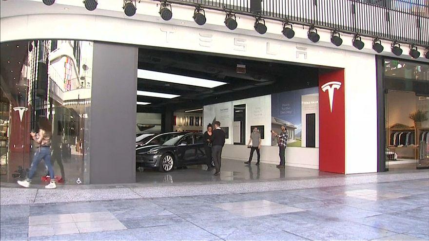 Рекордные убытки Tesla