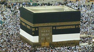 مسلمات ينددن بالتحرش الجنسي خلال أدائهن مناسك الحج بالبقاع المقدسة