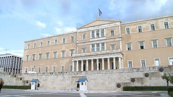 Yunan ekonomisi toparlanma sinyalleri veriyor